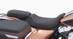 MUSTANG TRIPPER SEATS FOR ROAD KING, ELECTRA GLIDE, ROAD GLIDE AND STREET GLIDE